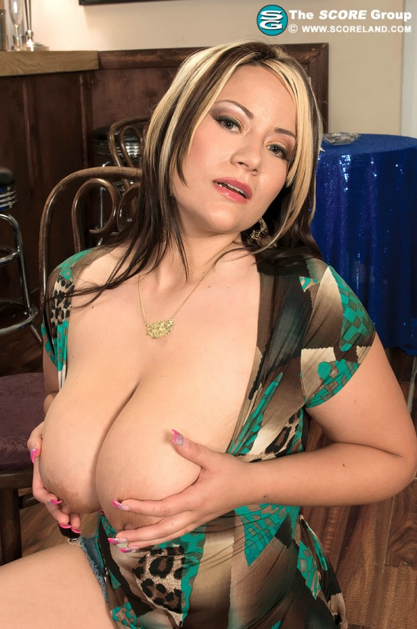 Matchless bella gianna busty have