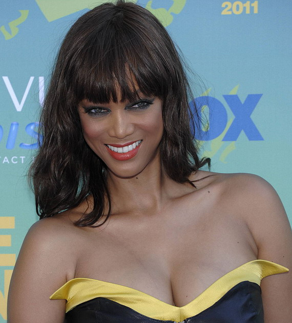 Tyra Banks Awards: Cleavy At Teen Choice Awards