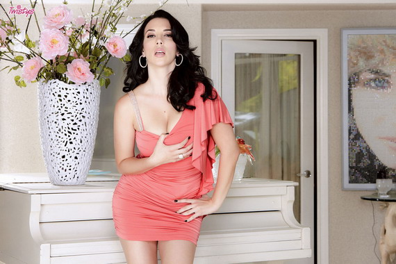 Jelena Jensen - All Show No Tell