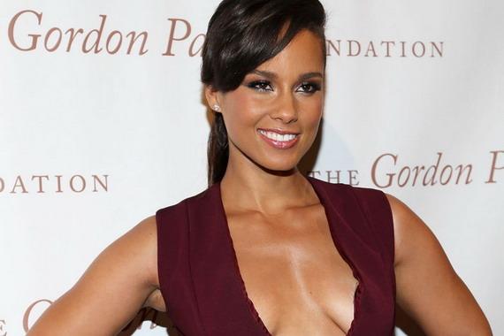 Alicia Keys in Hot Links