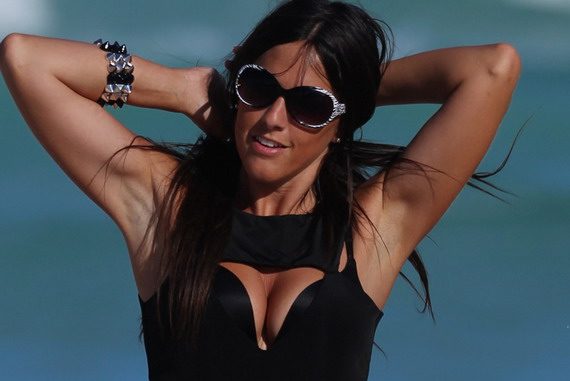 Claudia Romani - swimsuit candids in Miami