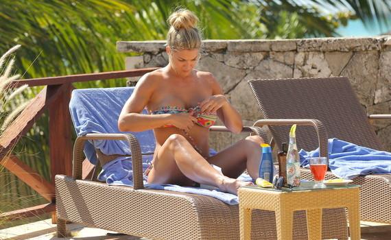 Gemma Atkinson - bikini candids in Dominican Republic