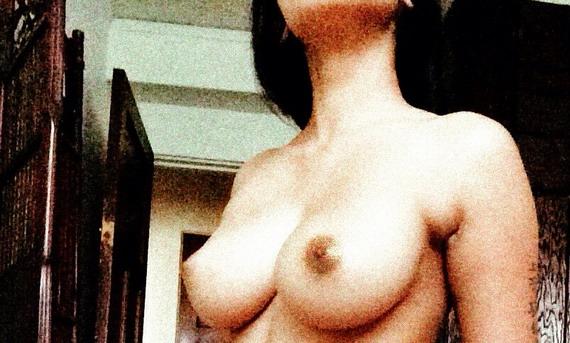 Nicki Minaj nude - personal hacked pics