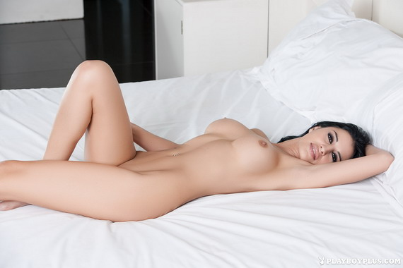 Laura Cattay - Sexy Selfie